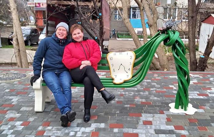 В сквере Доброслава открыли уголок Дали