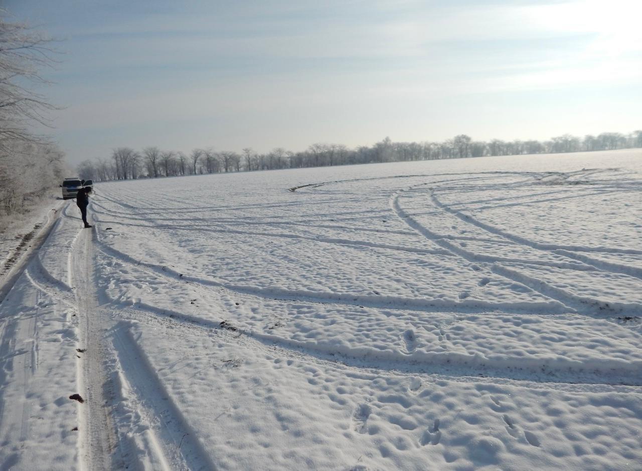 снежное поле,полиция