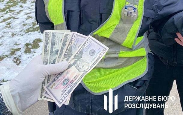двое полицейских получали взятки