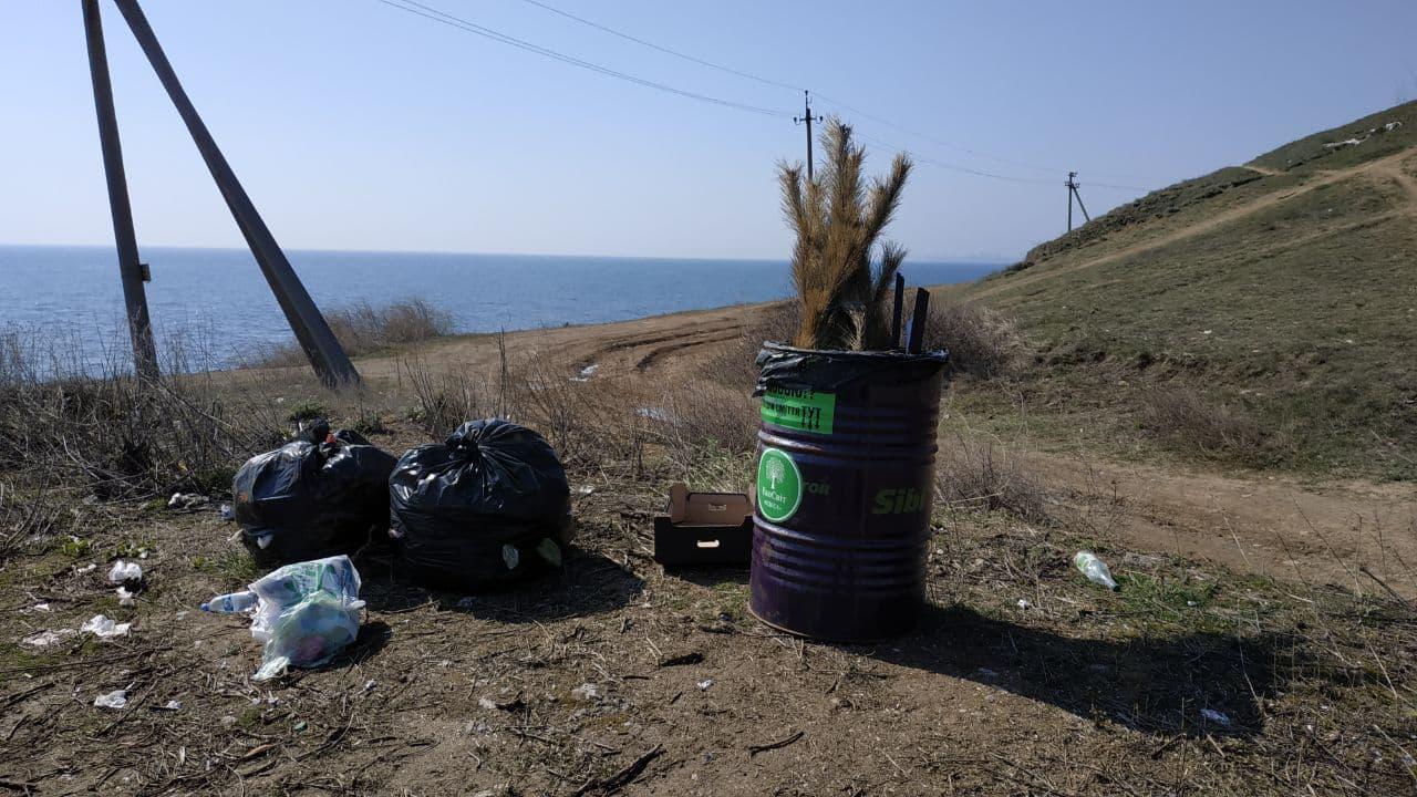 море мусор