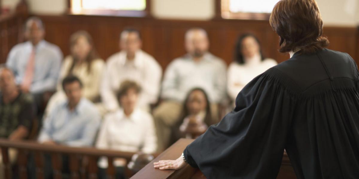 присяжные в суде