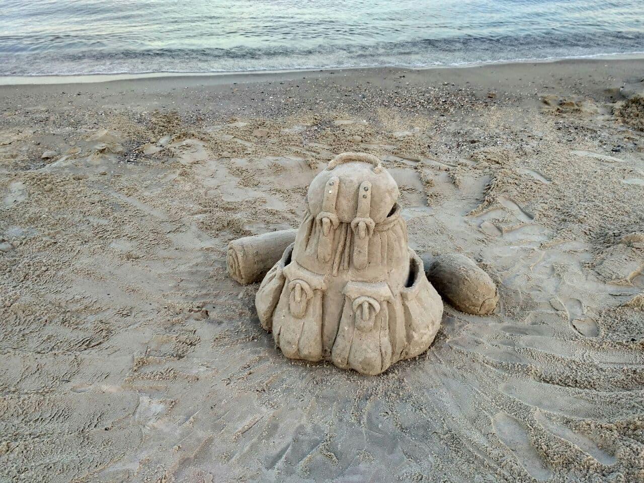 рюкзак из песка